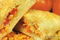 Calzone de milho com tomate