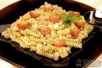 Salada ao pesto de hortelã com lombinho