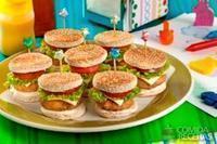 Mini hambúrguer saudável
