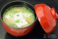 Missô shiru de cebolinha e tofu