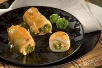Rolê de frango e brócolis