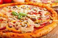 Pizza de pimentão, tomate e presunto