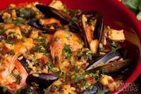 Paella carioca de frutos do mar