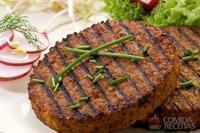 Hambúrguer de carne moída e soja