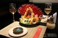 Tempurá de camarão com saque