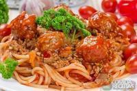 Almôndegas com espaguete