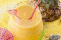 Suco de abacaxi com chá mate