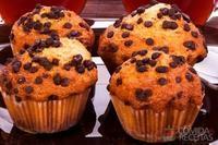 Muffins de chocolate com gotas