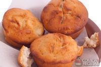 Muffins de farelo de aveia com maçã
