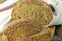 Pão integral com gergelim