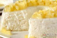 Pudim de tapioca com calda de abacaxi