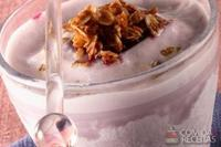 Frapê de uva, cereais e leite condensado
