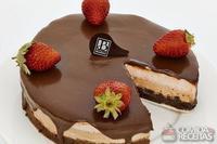 Torta brownie de chocolate e morango