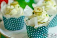 Cupcake de frango com azeitonas