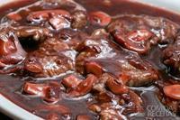 Escalopinho ao molho de vinho e champignon