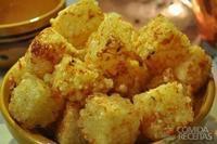 Dadinho de tapioca com queijo de coalho