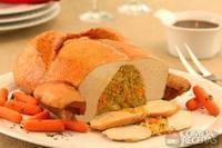 Fiesta com quinua colorida e castanha de caju