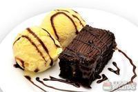 Brownie com sorvete jundiá