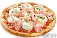 Pizza de peito de peru e creme de ricota