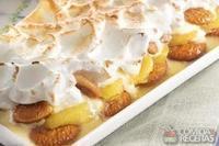 Rosquinha com banana em camadas com marshmallow