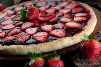 Pizza de chocolate com morango especial