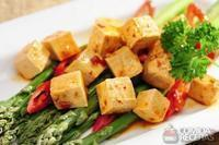 Tofu grelhado com vinagre balsâmico