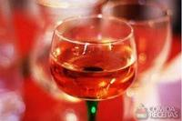 Drink com vinho (kir)