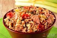 Arroz 7 cereais com alho poró, tomate cereja e atum