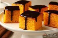 Bolo de cenoura especial com cobertura de chocolate