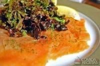 Salmão marinado gravlax