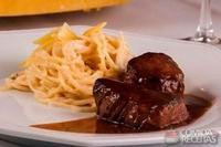 Spaghetti ao formaggio flambado