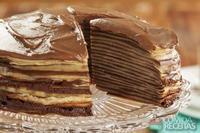 Torta de crepe de café, chocolate e avelã