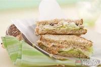 Sanduiche natural de patê de atum