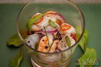 Ceviche de peixe e camarão