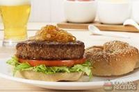 Hambúrguer de cupim com cebola caramelizada
