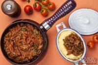 Ragu de carne com polenta mole