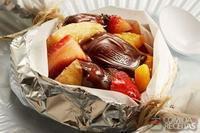 Papillote de frutas e chocolate