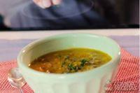 Papinha de feijão, carne e legumes