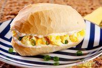Sanduíche de ovo frito