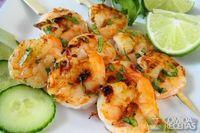Espetinho tailandês de camarão