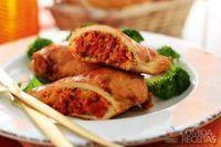 Filé de frango recheado com tomate seco, pinhão e manjericão