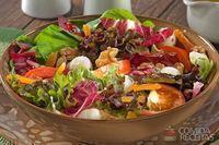 Salada mix de folhas, nozes e damasco
