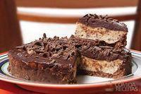 Torta gelada de maracujá e chocolate