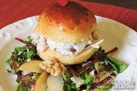 Sanduíche com salpicão de peito de peru