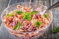 Salada de maionese com salsinha e cenoura