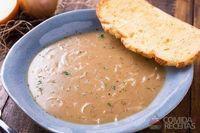 Sopa de cebola saborosa