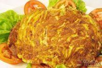 Omelete de presunto, queijo e tomate