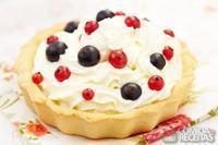 Cream fruit pie