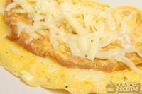 Fritada com cebola e queijo