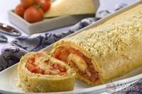 Rocambole de queijo e tomate